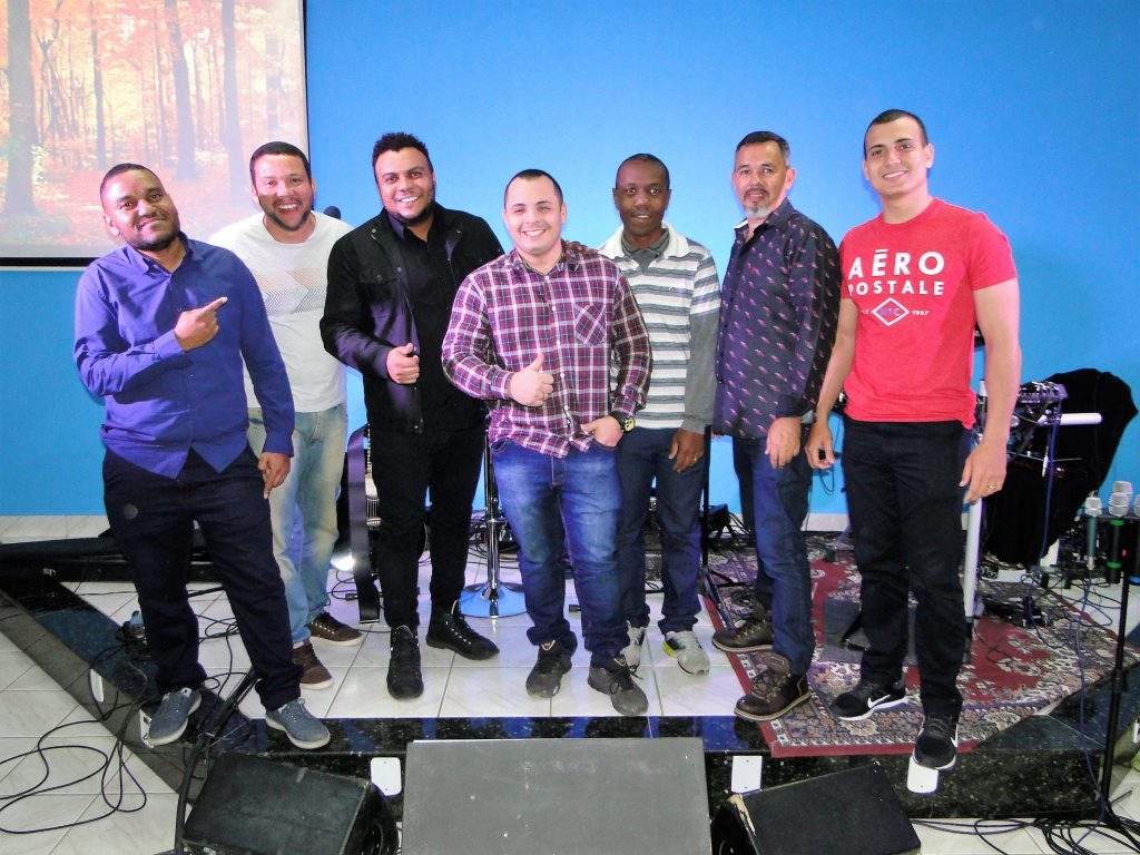 Final do culto domingo noite